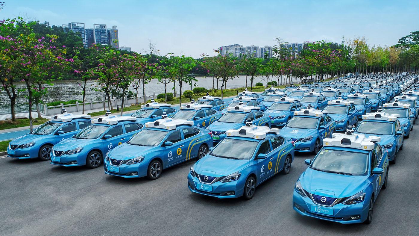 Un parking remplie de voiture autonome WeRide est visible en chine.