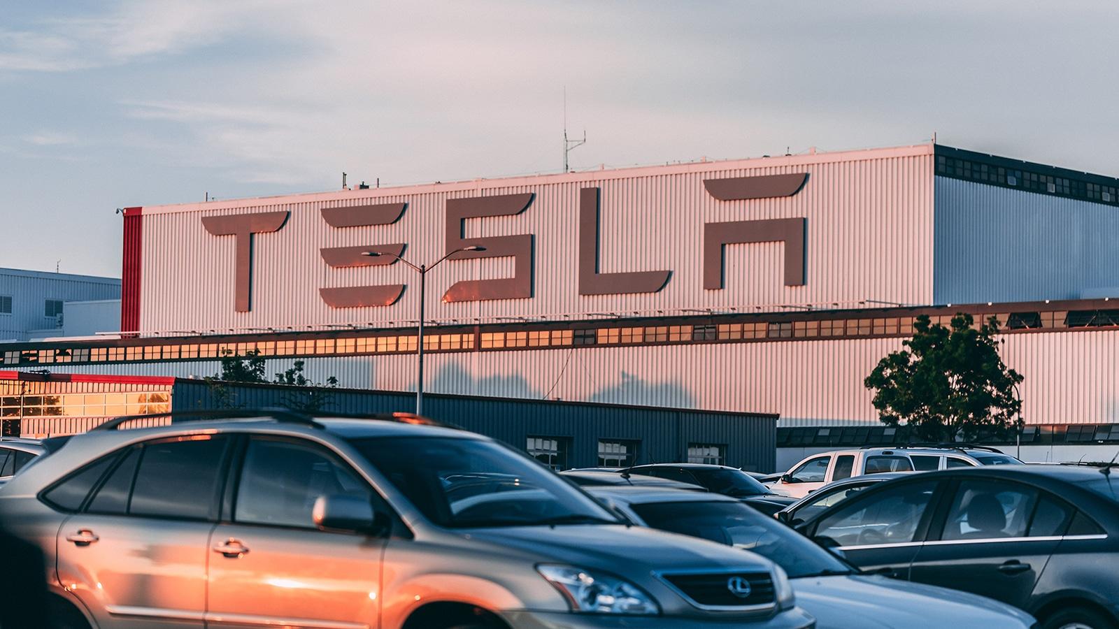 LA taxe carbone permettrait beaucoup plus d'équiter entre les entreprises grâce à la proposition d'Elon Musk.
