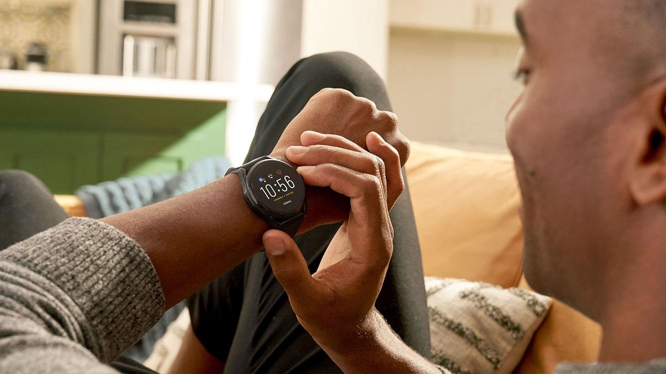 Une nouvelle montre connectée équipée de Wear OS serait commercialisé en automne par Fossil.