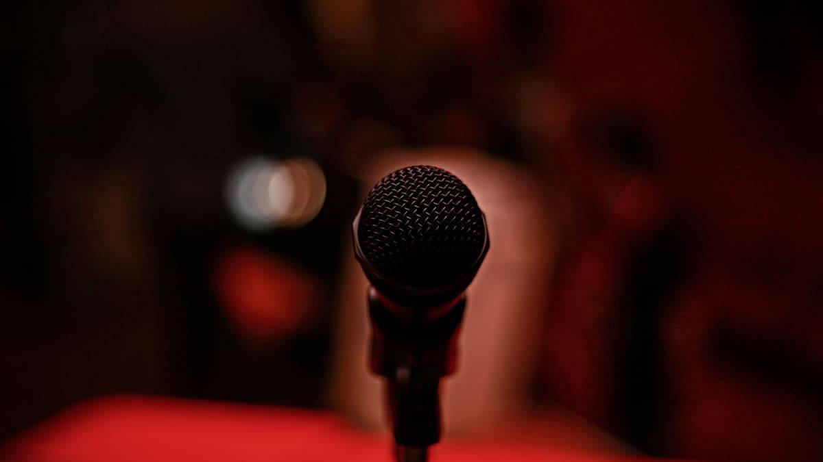 TED collabore avec Clubhouse pour réserver des salons audios exclusifs.