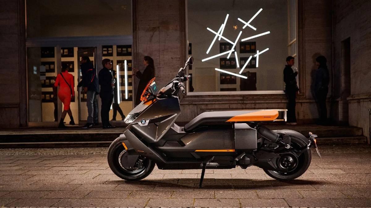 Le nouveau scooter électrique BMW CE 04 arrive