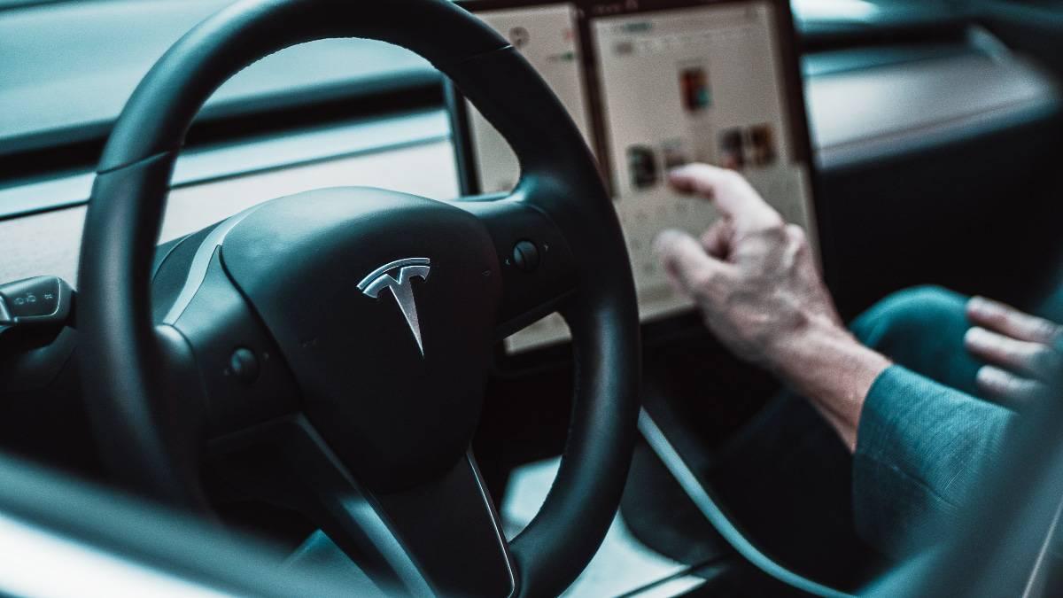 La fonctionnalité Full Self-Driving de Tesla est enfin disponible aux États-Unis.