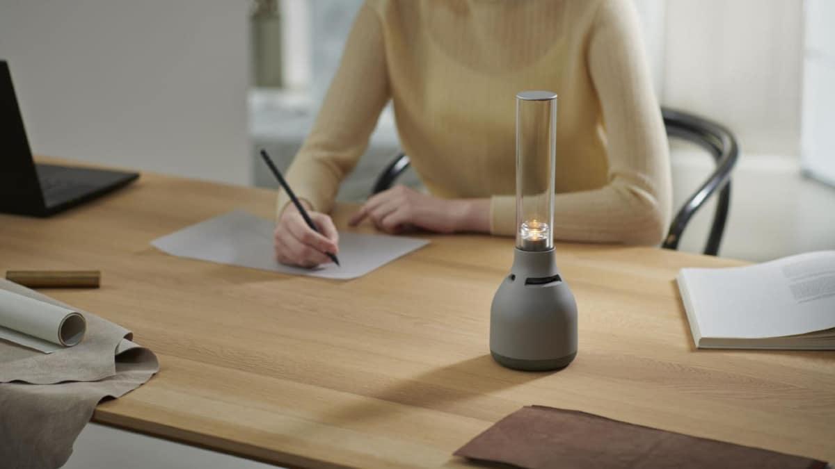 La firme nippone dévoile la Sony LSPX-S3, une lampe sans fil équipé d'une enceinte connectée.