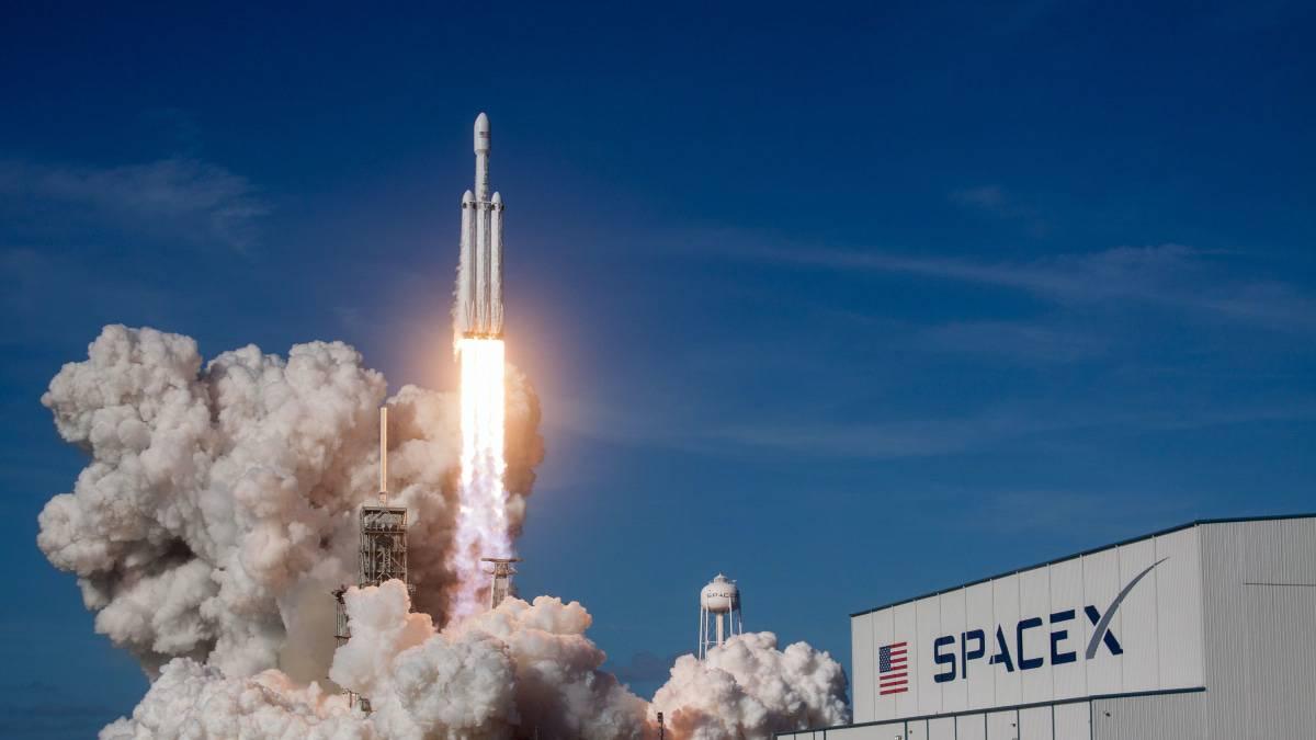 SpaceX lance 88 satellites dans l'espace.