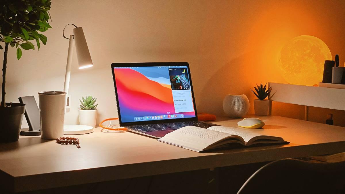 Le MacBook Pro mi-2022 serait toujours équipé d'un écran mini-Led.