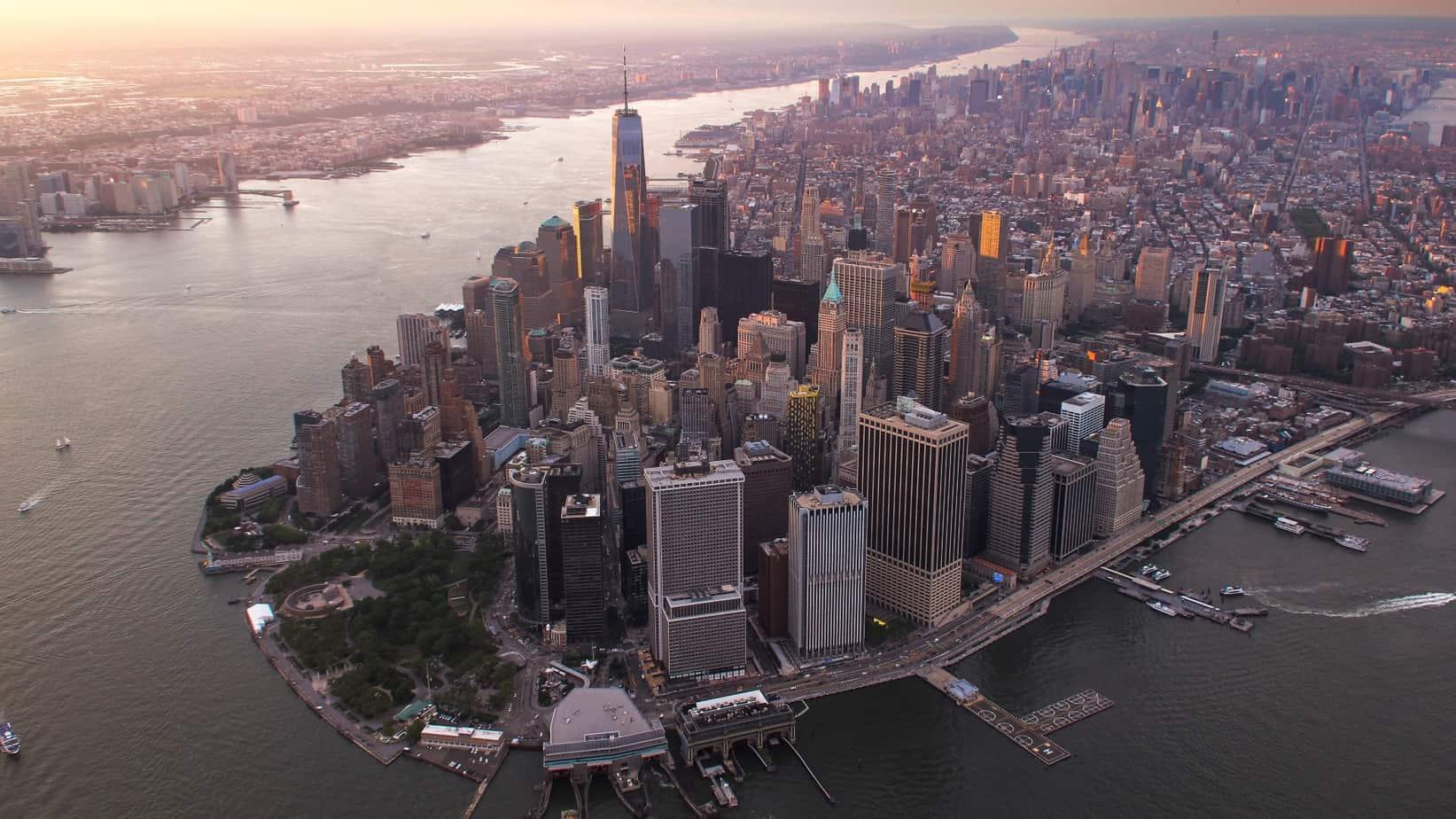 Google, ou plutôt Alphabet, la maison mère de Google, souhaite acheter un immeuble à New-York pour y loger ses bureaux.