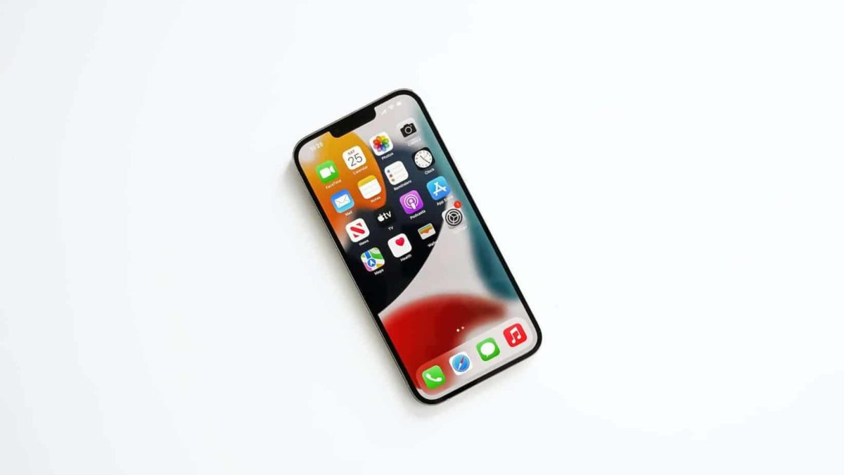 Certains utilisateurs de nouvel iPhone 13 sont victimes d'un bug concernant le déverrouillage avec leur Apple Watch.