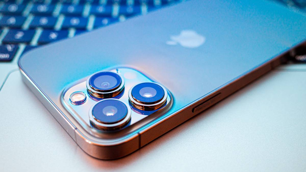 Des tests ont révélé que l'iPhone 13 Pro Max est compatible avec la charge rapide 27 watts.